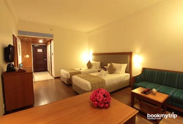 Bookmytripholidays | Monsoon Empress,Kochi  | Best Accommodation packages